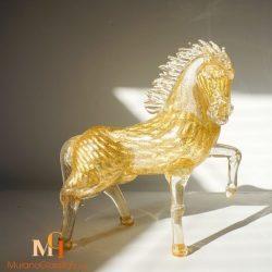 حصان مذهل من الكريستال