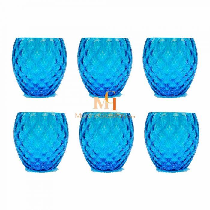 verre à eau bleu